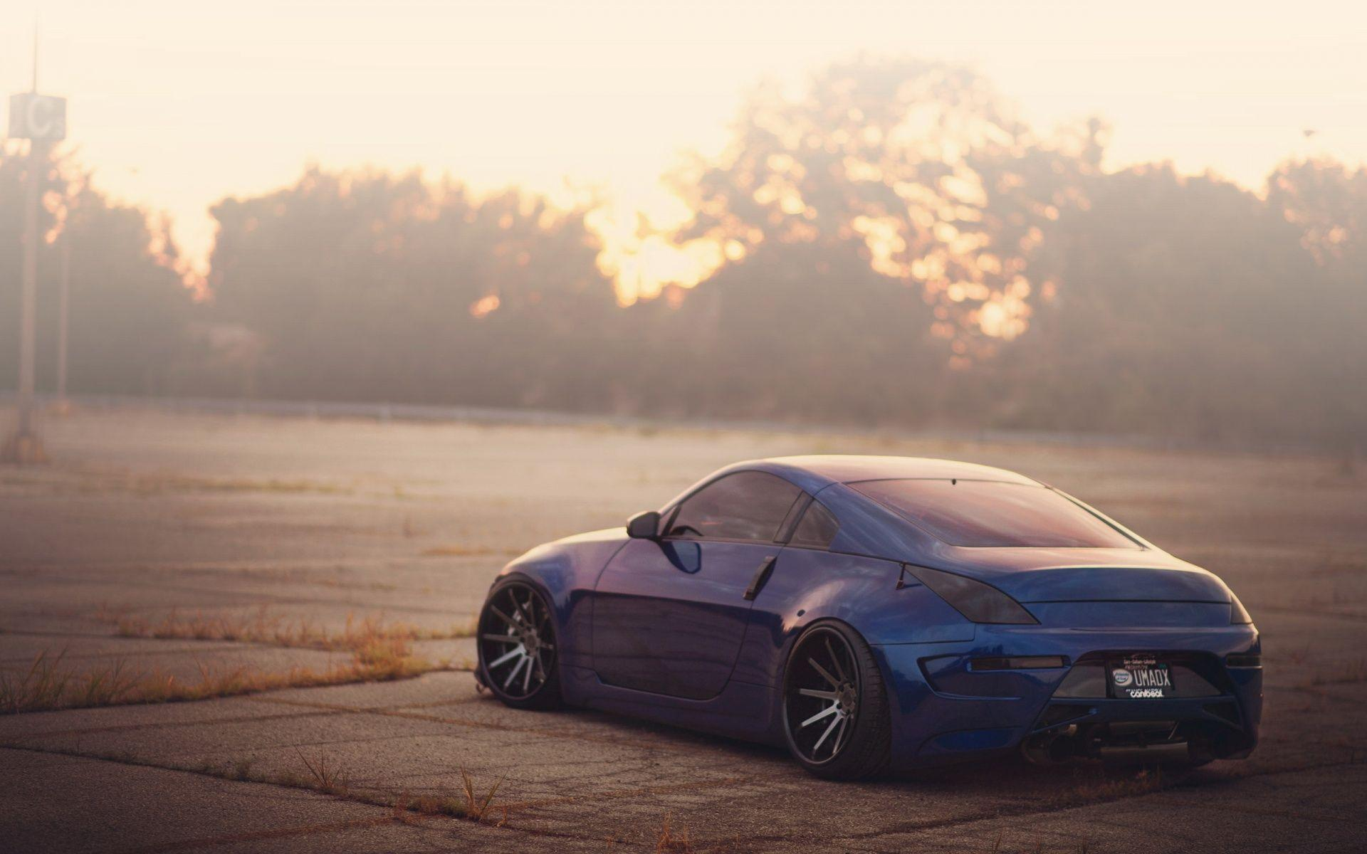 Nissan 350Z blue rear Modified wallpaper for i phones | Nicegraphy