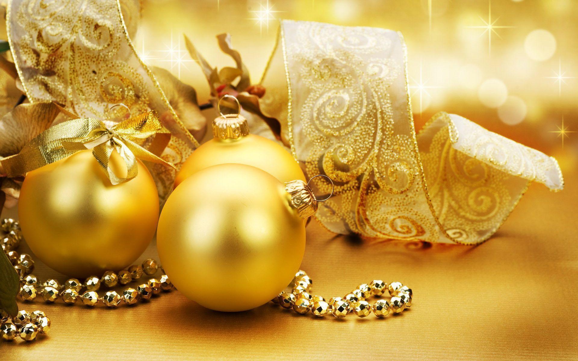 Golden Christmas ornaments - Christmas Wallpaper (22229806) - Fanpop