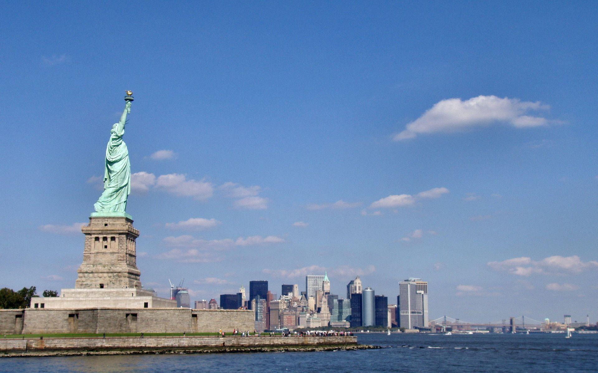 New York Statue Of Liberty wallpapers
