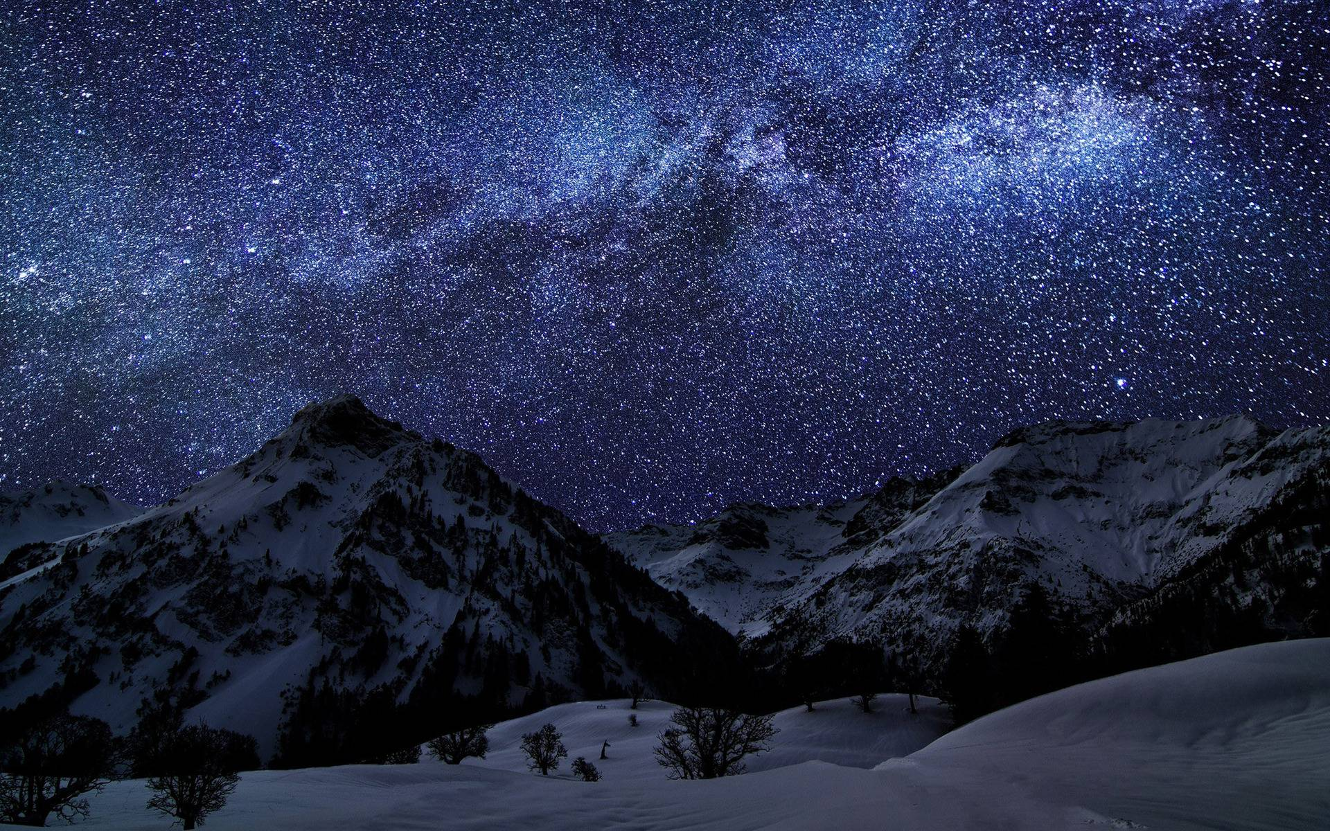 Milky Way above the mountains Wallpapers #