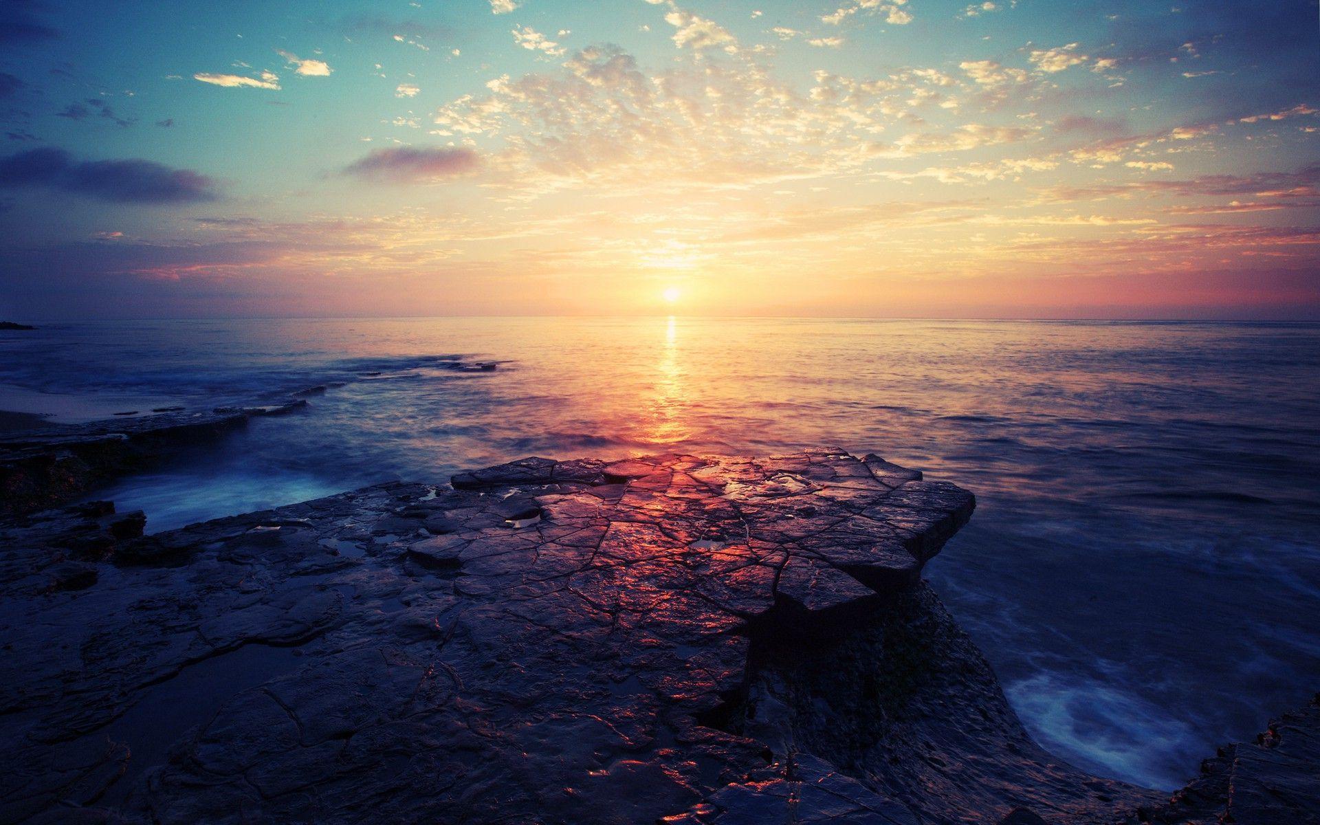 Colorful sunrise Wallpaper #