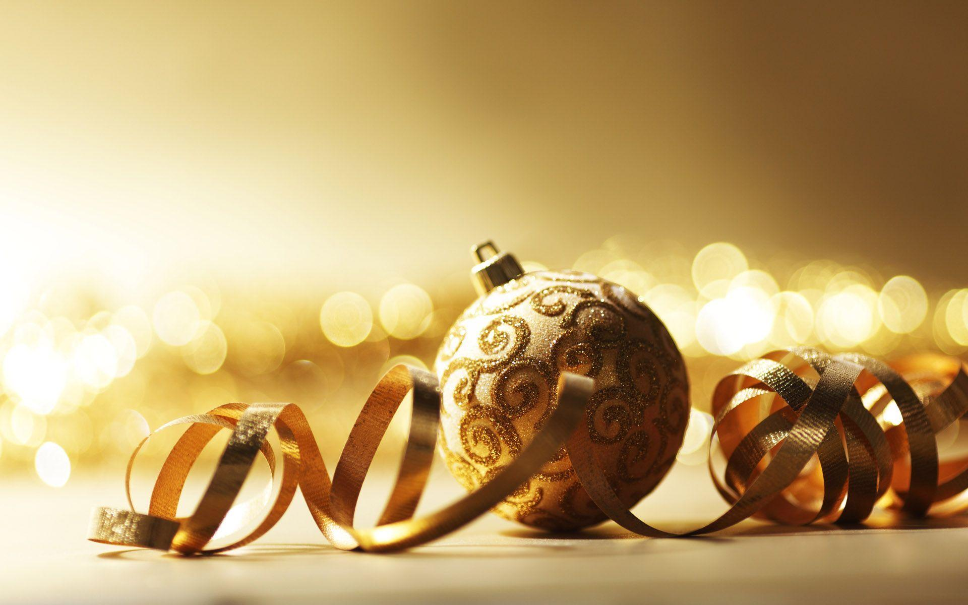Xmas Stuff For > Gold Christmas Ornaments Wallpaper