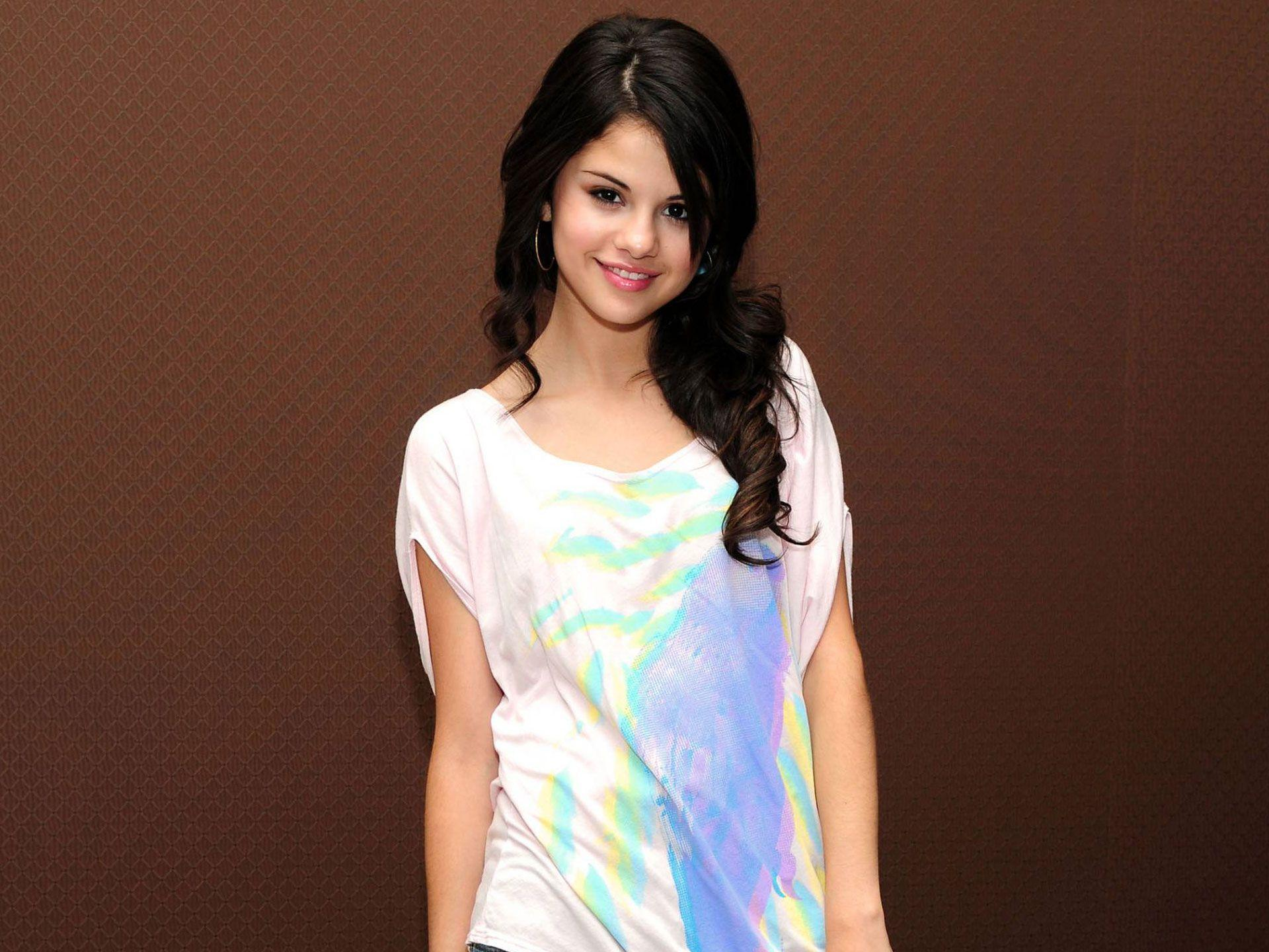 WallpapersStuff Selena Gomez