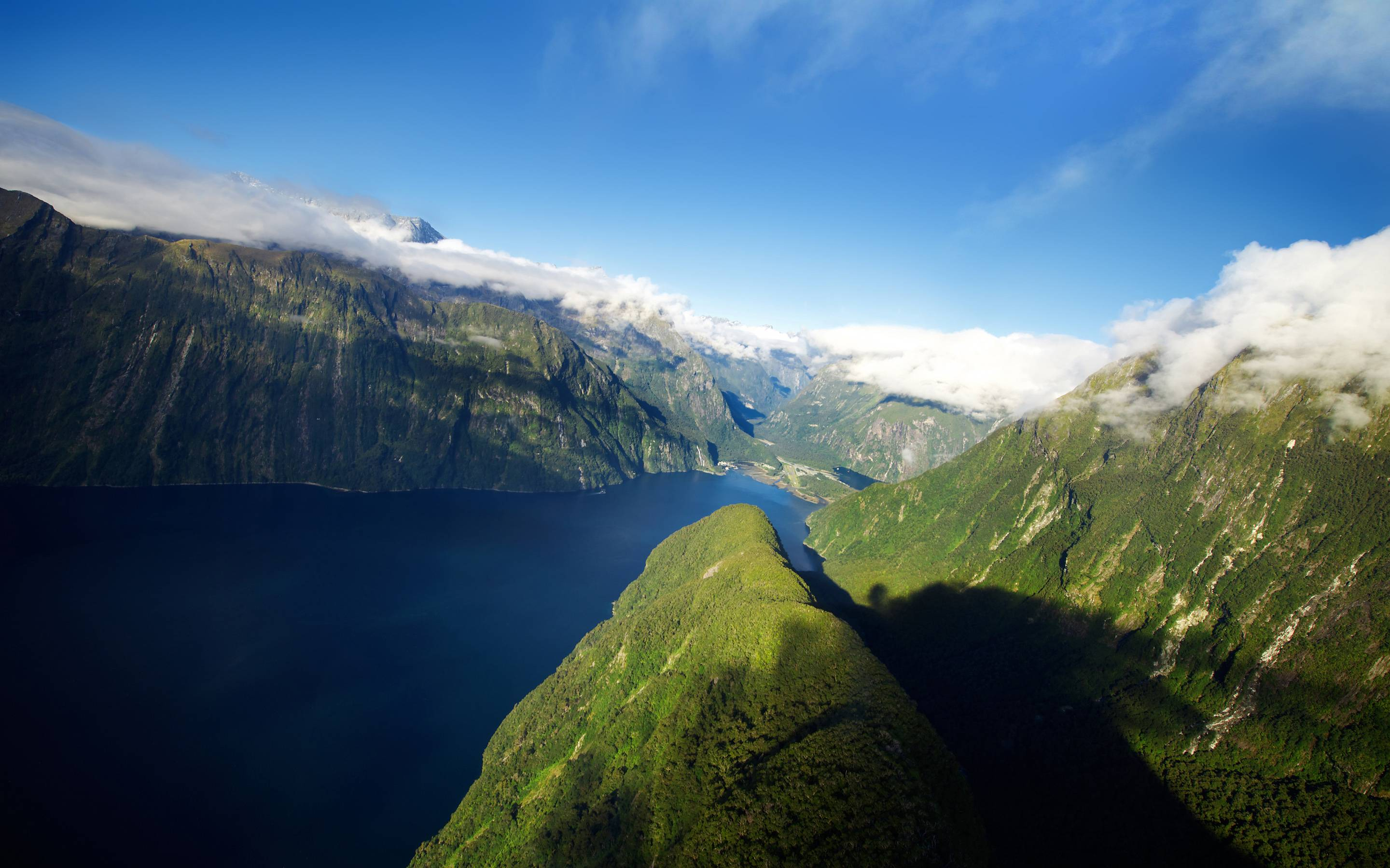 Fiords of New Zealand / 2880 x 1800 / Mountains / Photography ...