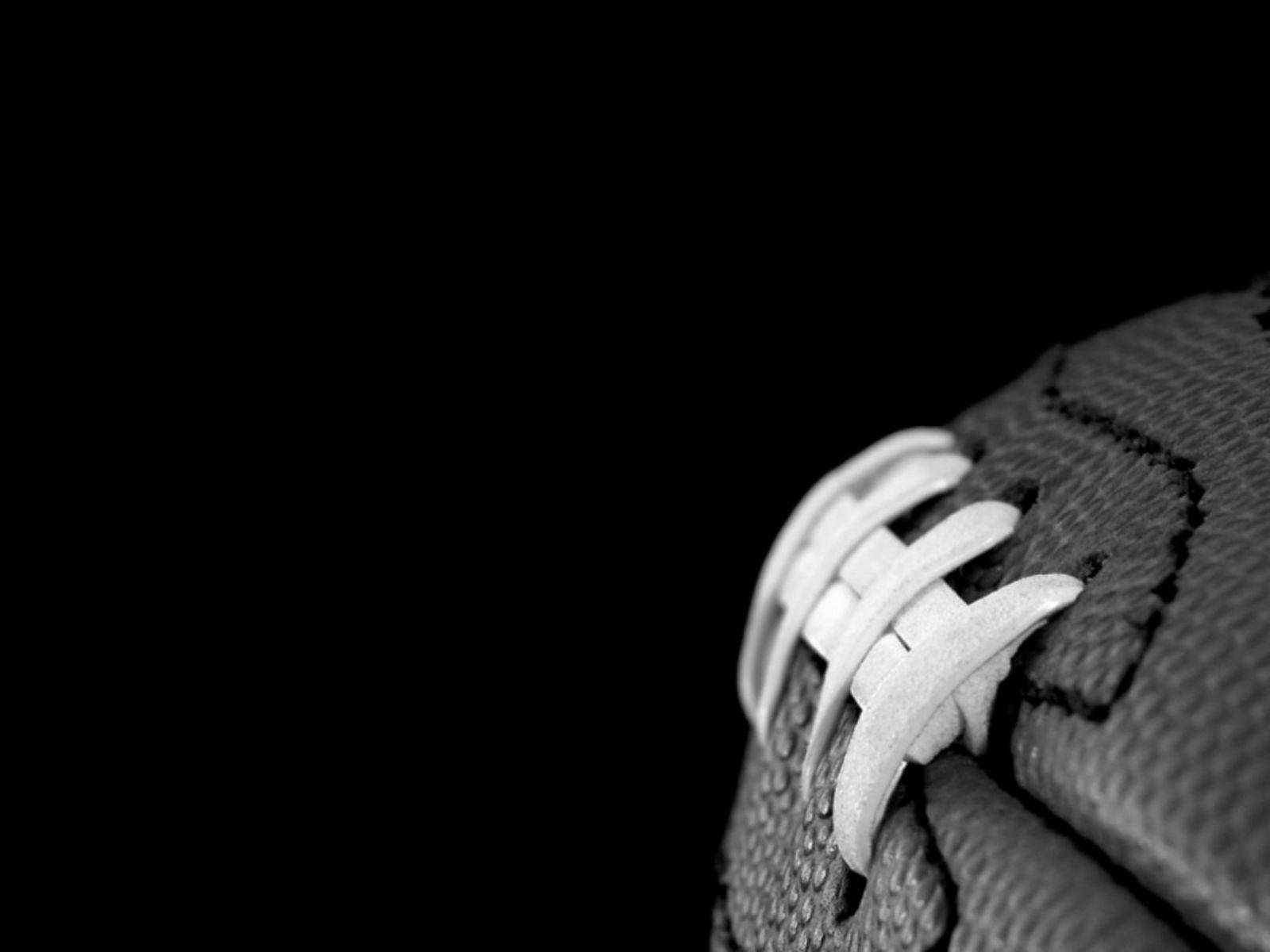Sports Wallpapers Black And White: Football Backgrounds