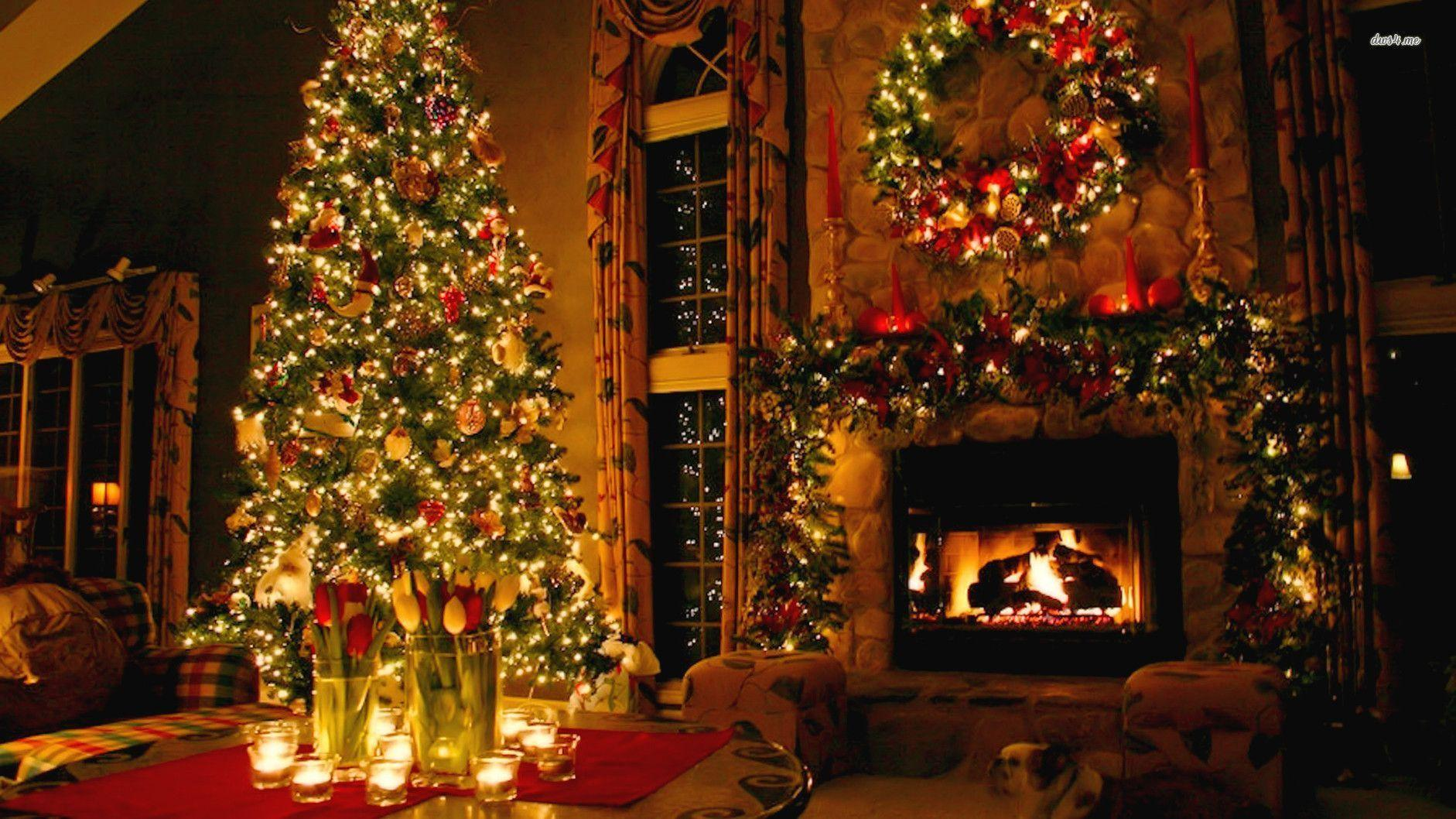Christmas fireplace backgrounds wallpaper cave for Beautiful homes decorated for christmas