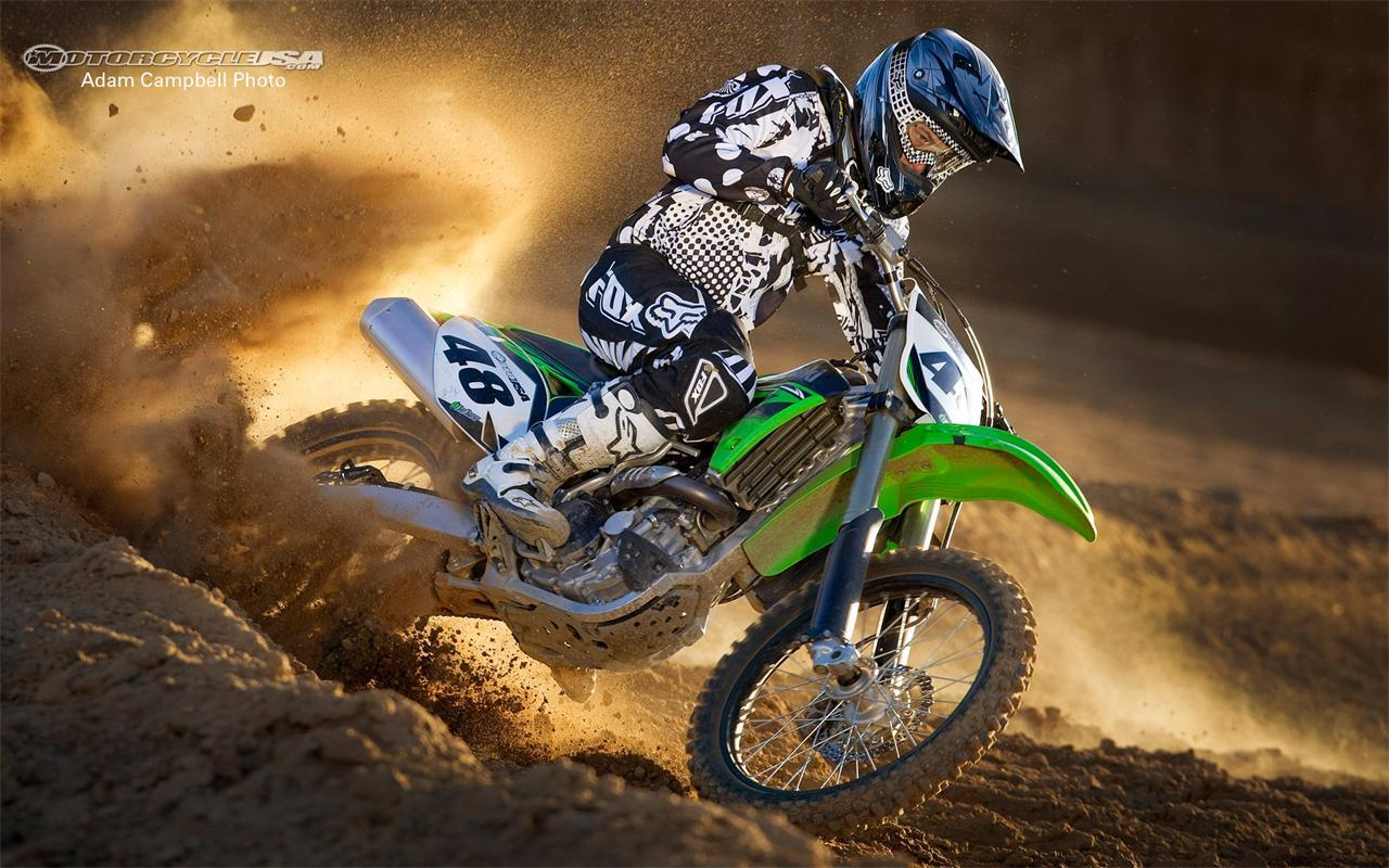 Vehicles For > Dirt Bike Stunts Wallpapers