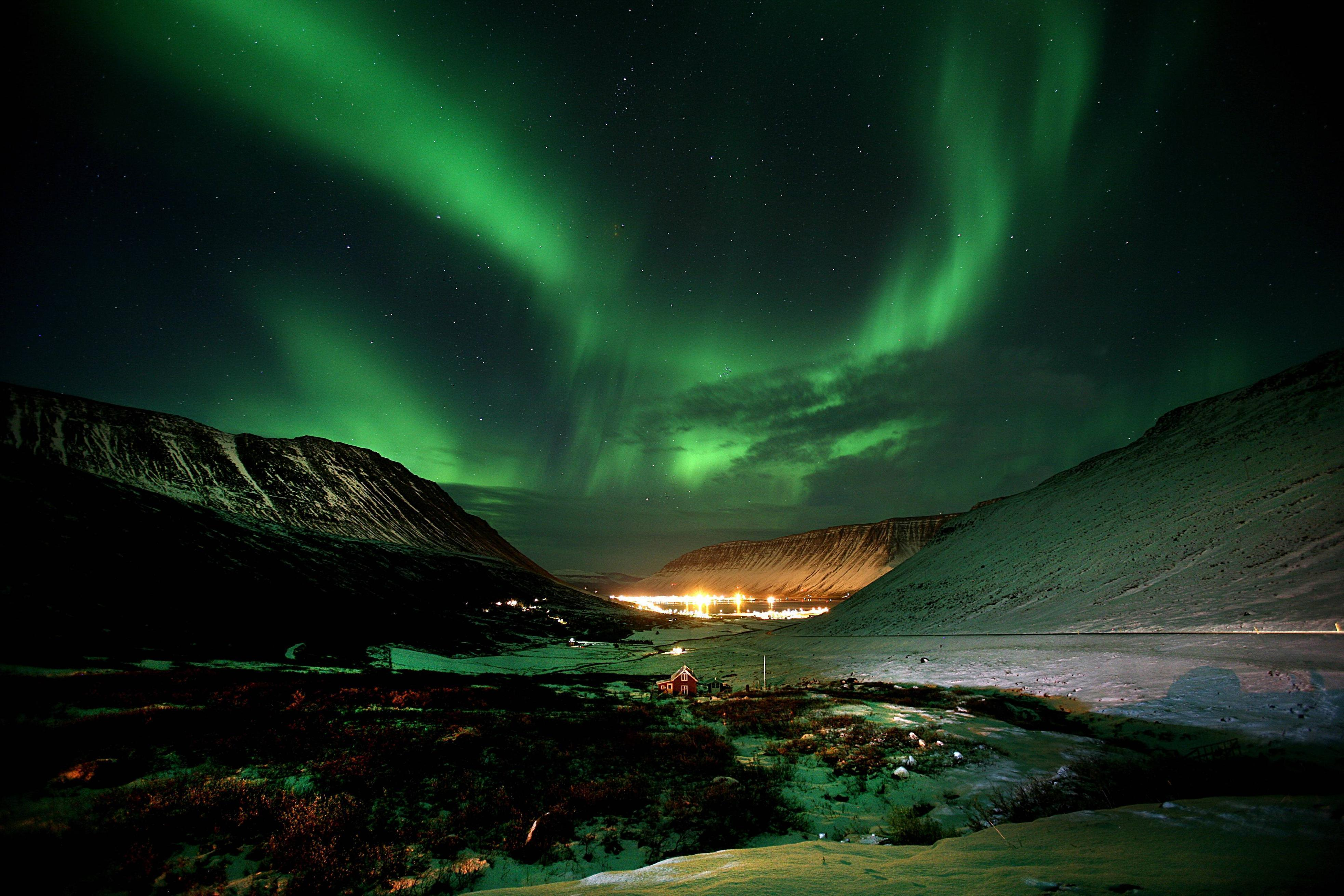 Northern Lights Iceland 30705 High Resolution