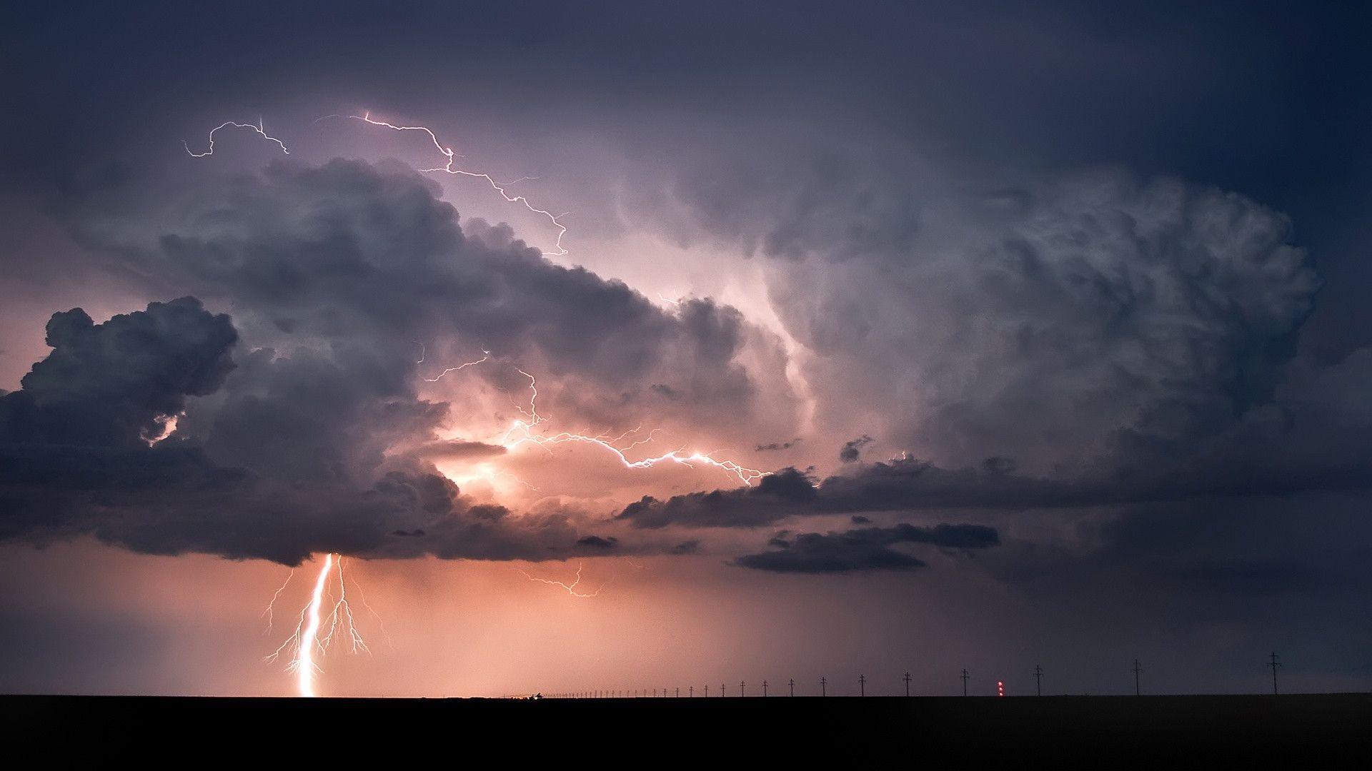 lightning strike wallpaper - photo #4