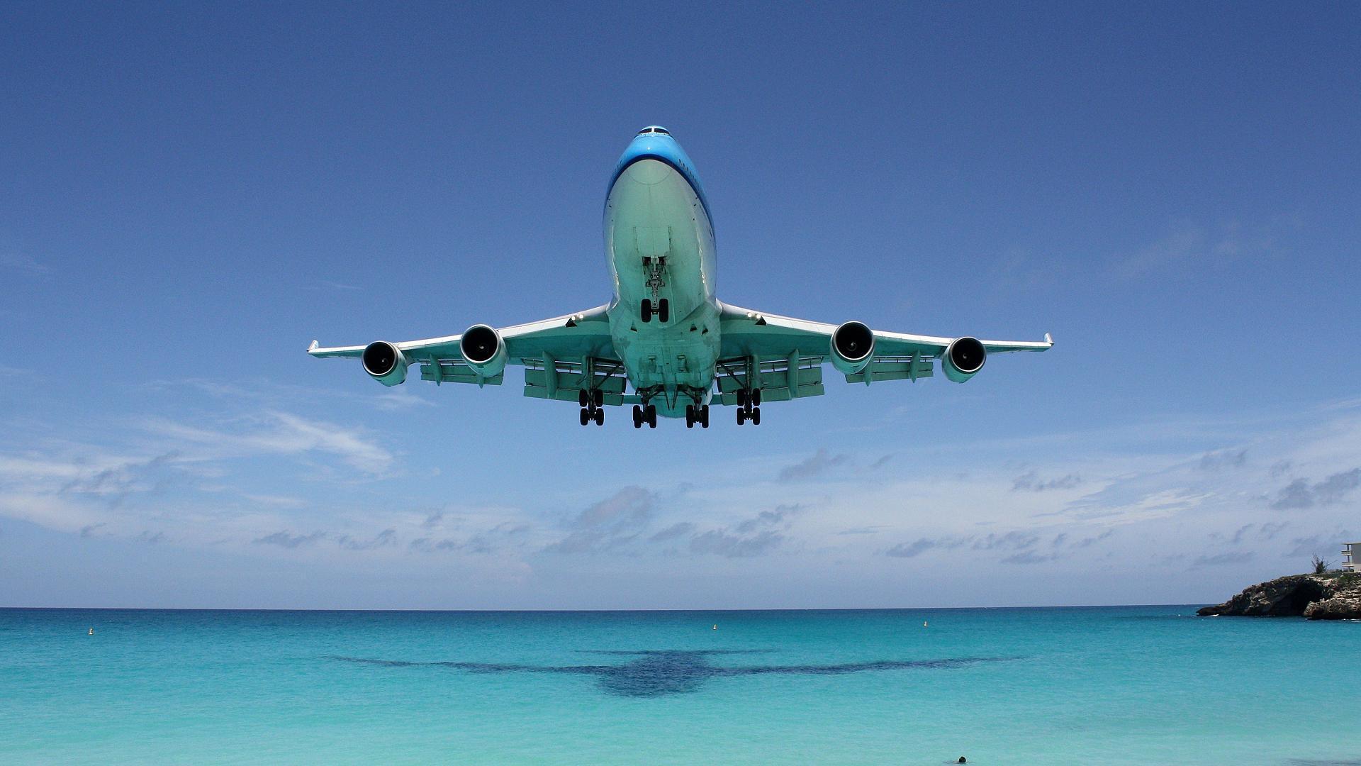 airplane landing wallpaper wallpapers - photo #20
