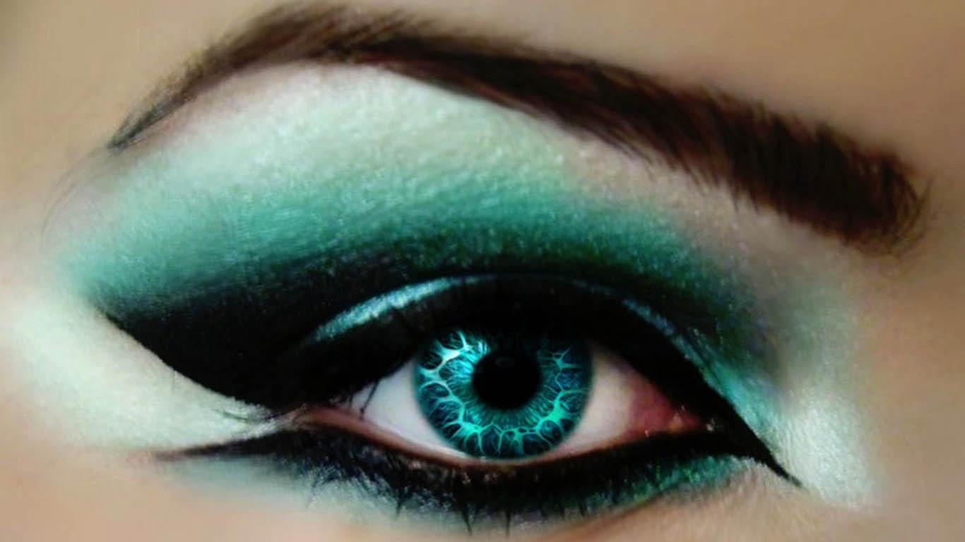 Trends For Beautiful Eyes Makeup Wallpaper