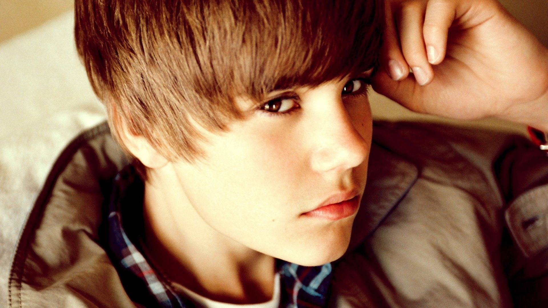 Justin Bieber Pictures HD Wallpapers