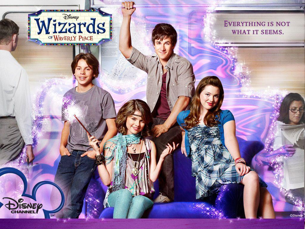 WIZARDS OF WAVERLY PLACE (2007-2012)