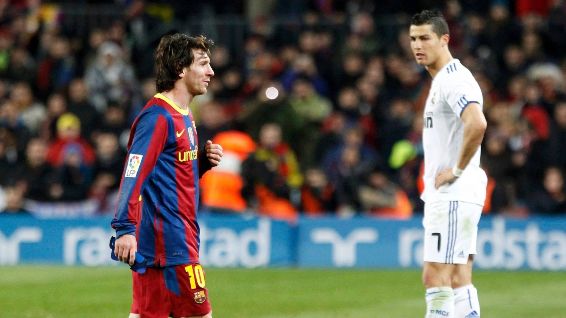 Cristiano ronaldo vs messi wallpapers 2015 wallpaper cave cristiano ronaldo wallpaper 2013 hd background 9 hd wallpapers voltagebd Choice Image