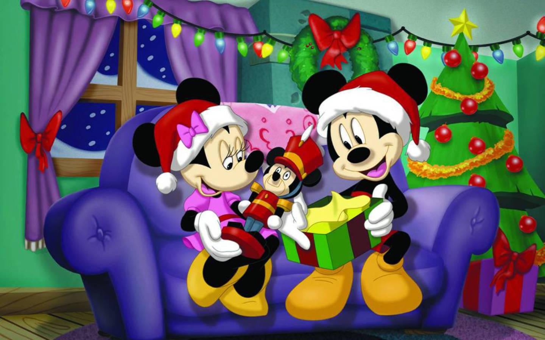 Free disney backgrounds wallpaper cave disney christmas desktop wallpaper voltagebd Choice Image