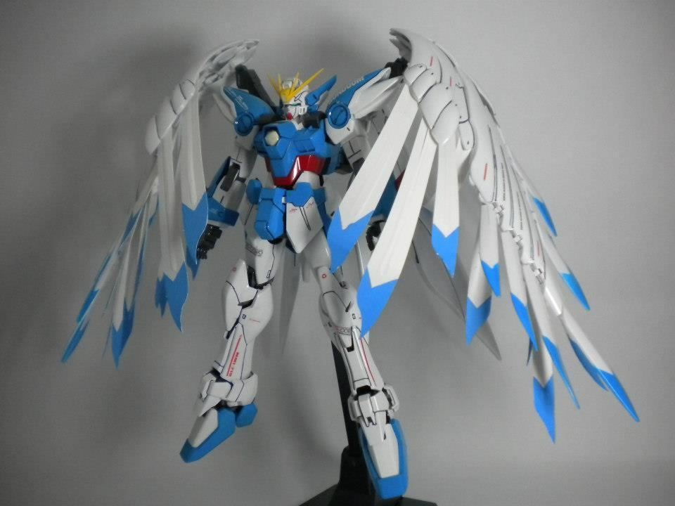 MG 1/100 Gundam Wing Zero Custom: modeled by 瘋峰. Photoreview Big