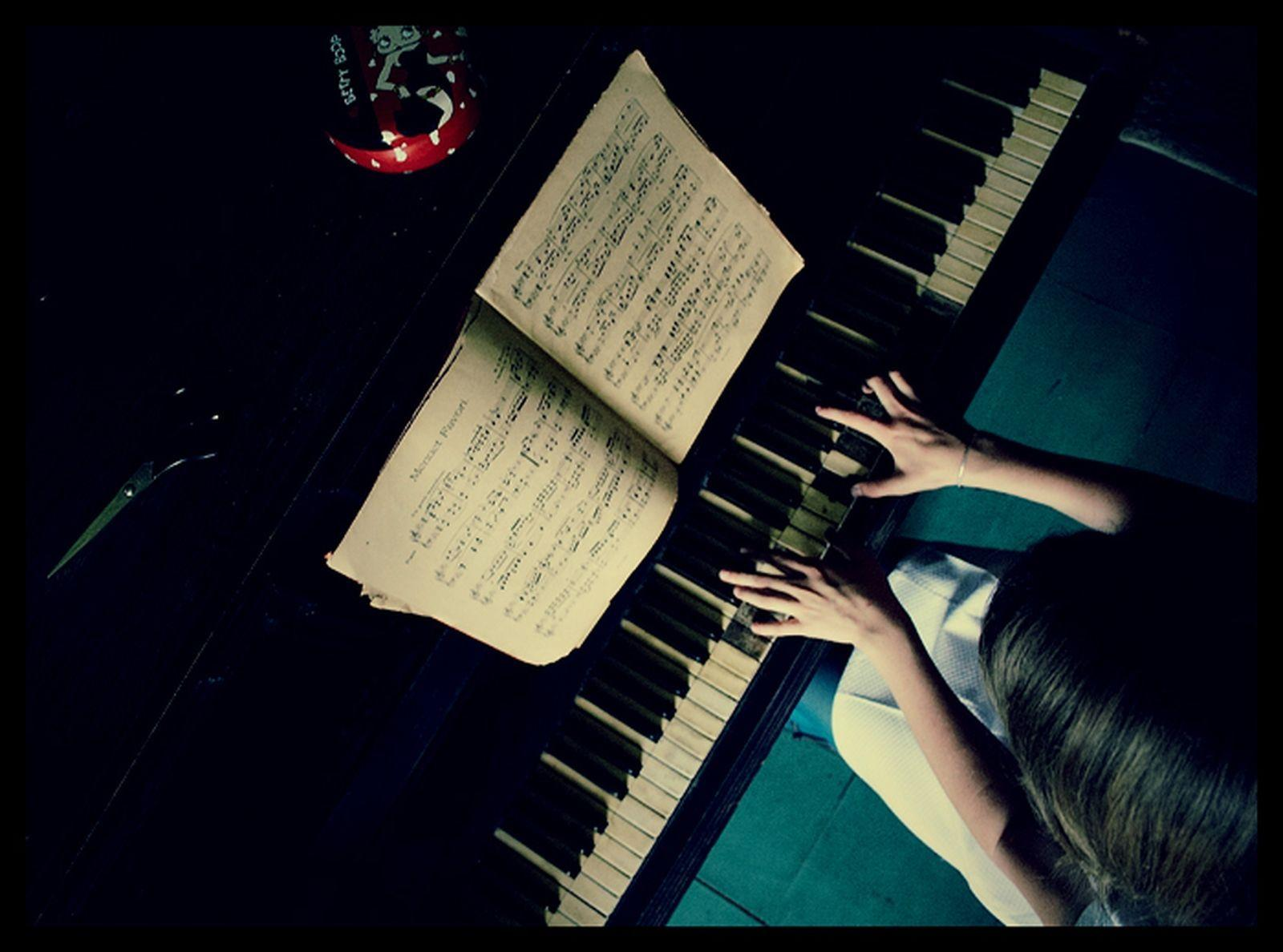 Piano Wallpapers - Download Free Misc Wallpapers, Photos, Pictures ...