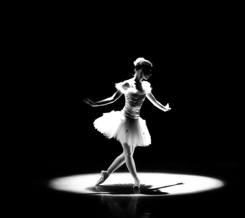 ballet dancers on stage - photo #43