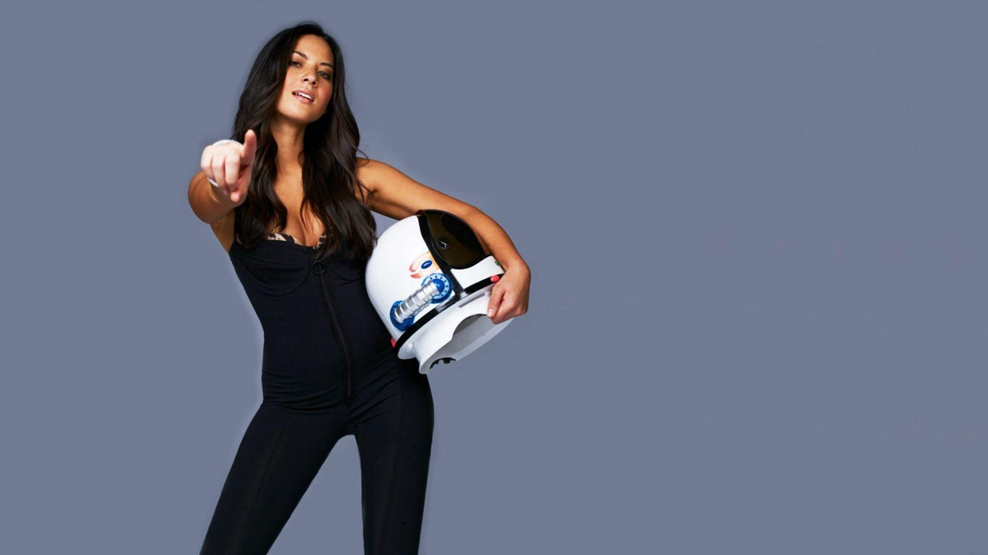 Olivia Munn Desktop Wallpapers Image & Pictures