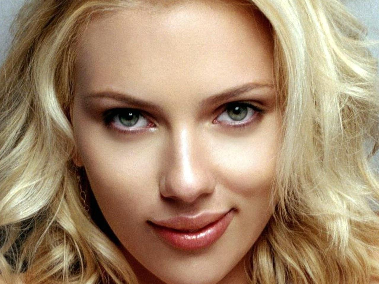 Scarlett Johansson Wallpaper 17 Backgrounds | Wallruru.