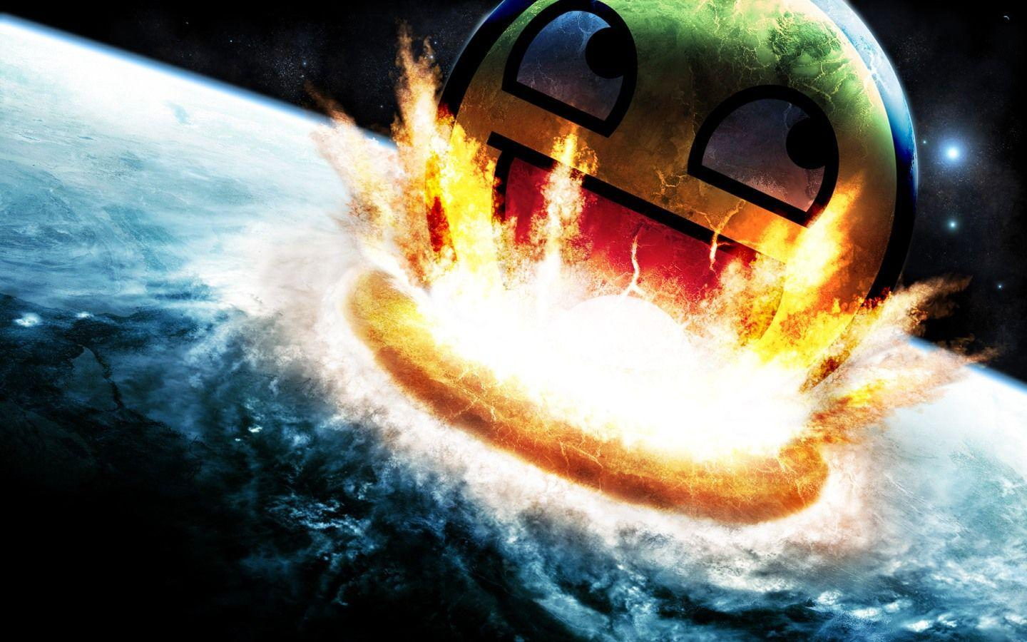 Download Smiley Epic Free Wallpapers 1440x900