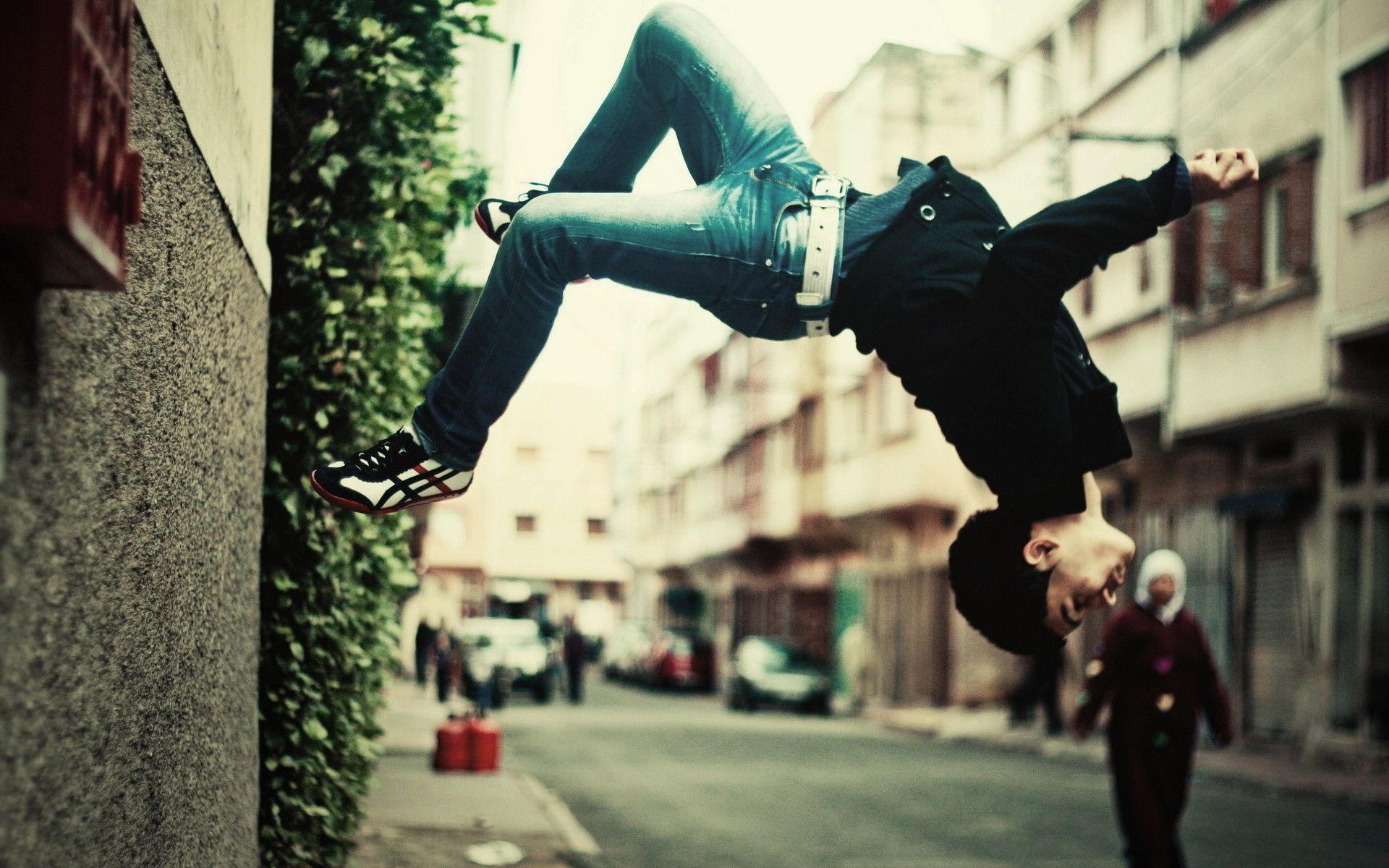 parkour wall flip - photo #1