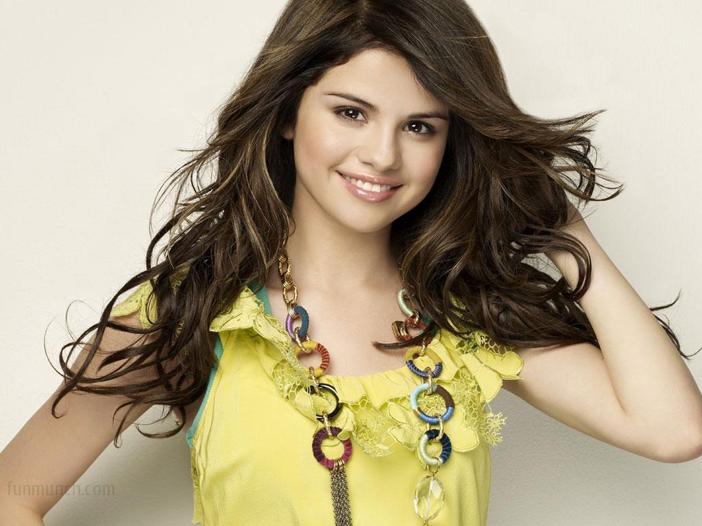 Selena Gomez Wallpapers | Desktop Images