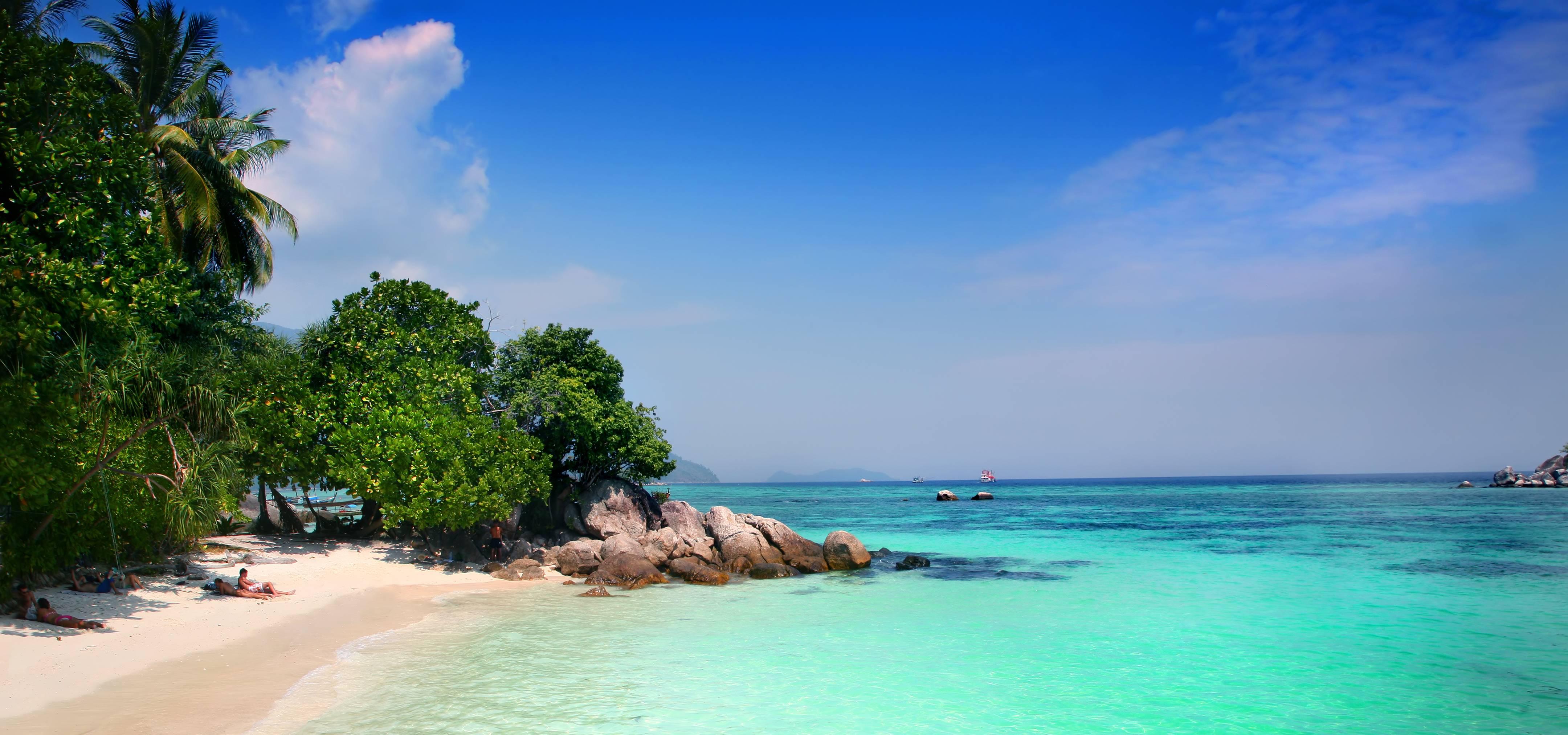 Exotic beach wallpapers wallpaper cave for Desktop gratis estate