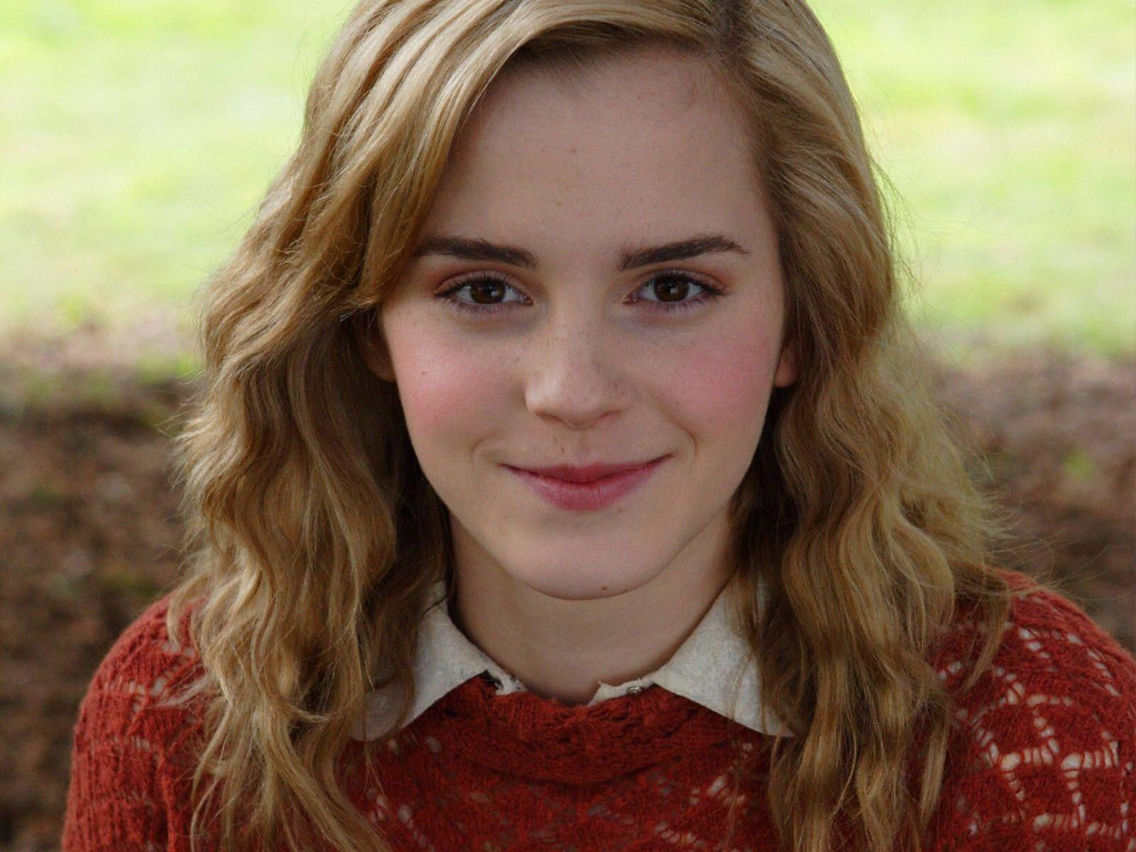 Emma Watson Wallpapers Gallery ~ Sheryali | News, Tips ...