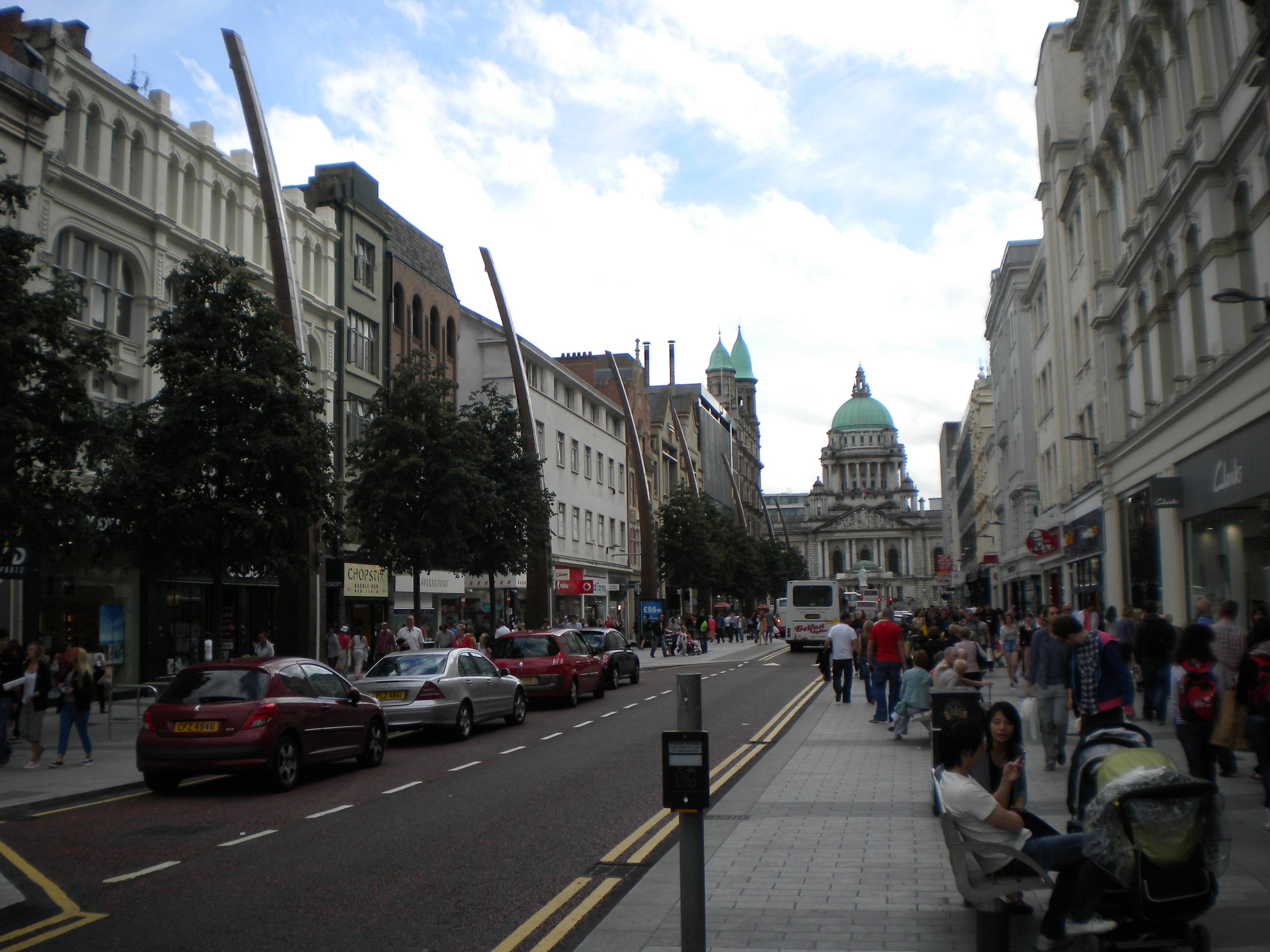 Belfast Street – City Hall in the backgrounds
