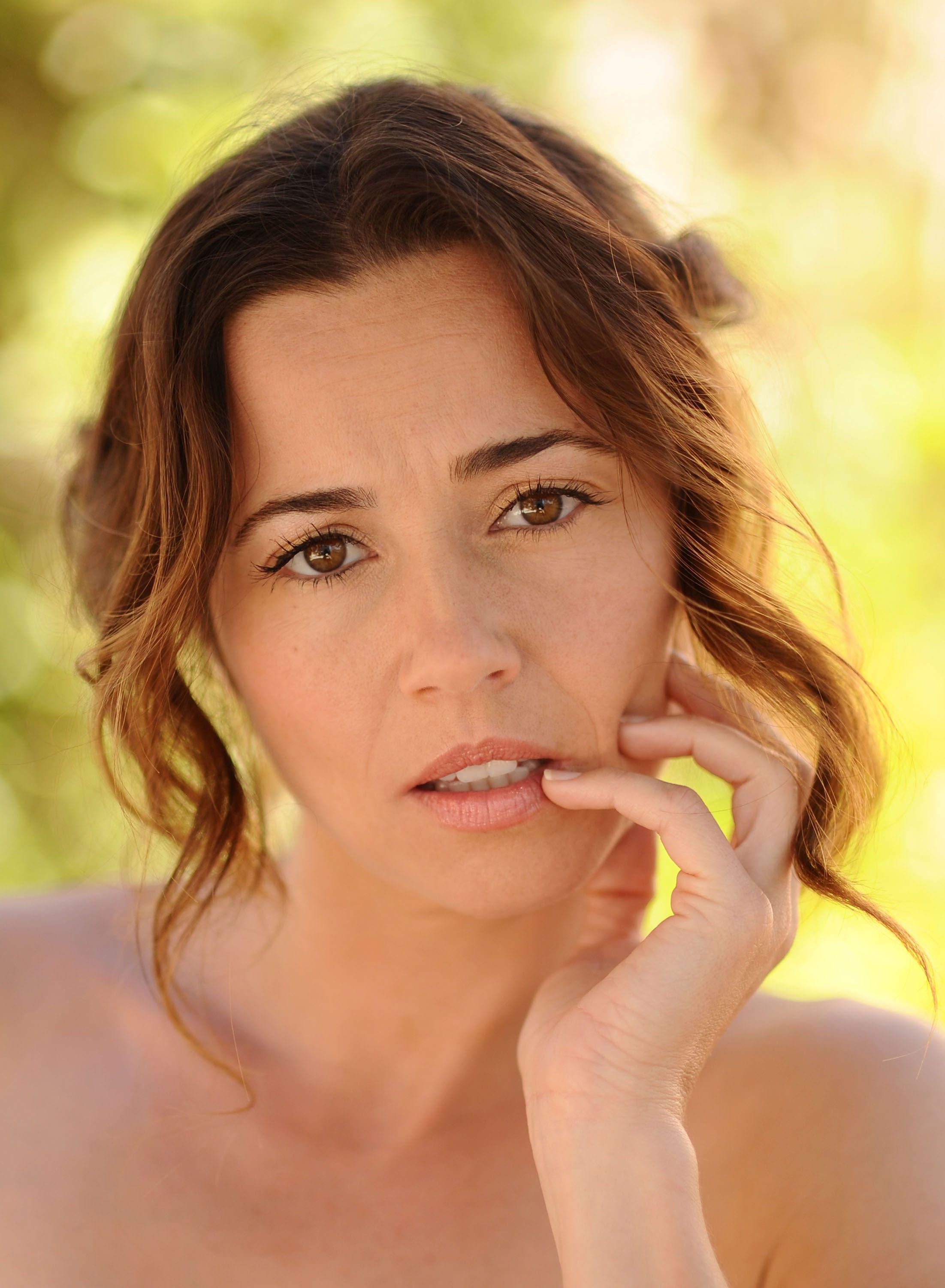 Linda Cardellini Wallpapers - Wallpaper Cave