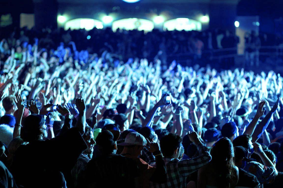 Crowd Wallpapers - Wallpaper Cave
