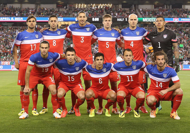 qu mens soccer team - HD3000×2100