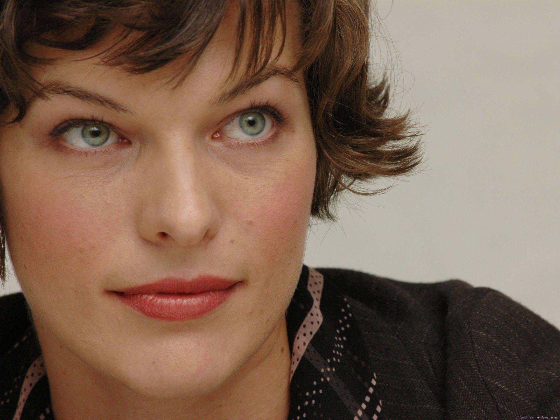 Wallpapers Collection Car Desktop Wallpapers Hd Milla Jovovich
