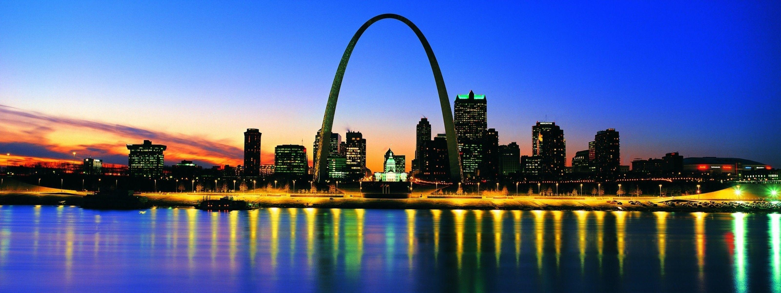 The-Gateway-Arch-in-St.-Louis.jpg