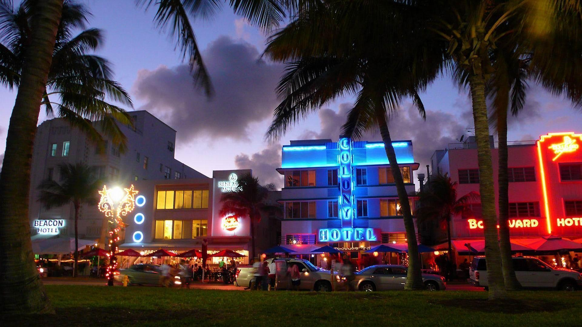 Night At Miami Beach | The Free Wallpapers | HD Wallpapers For ...