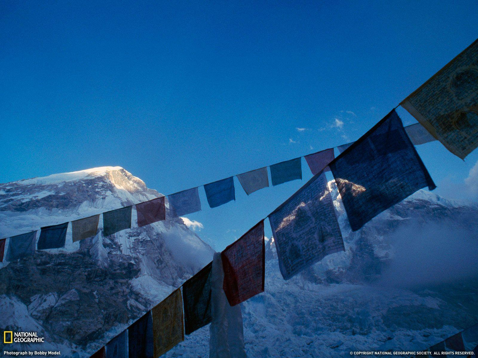 Prayer Flags Picture, Mount Everest Wallpaper - National ...