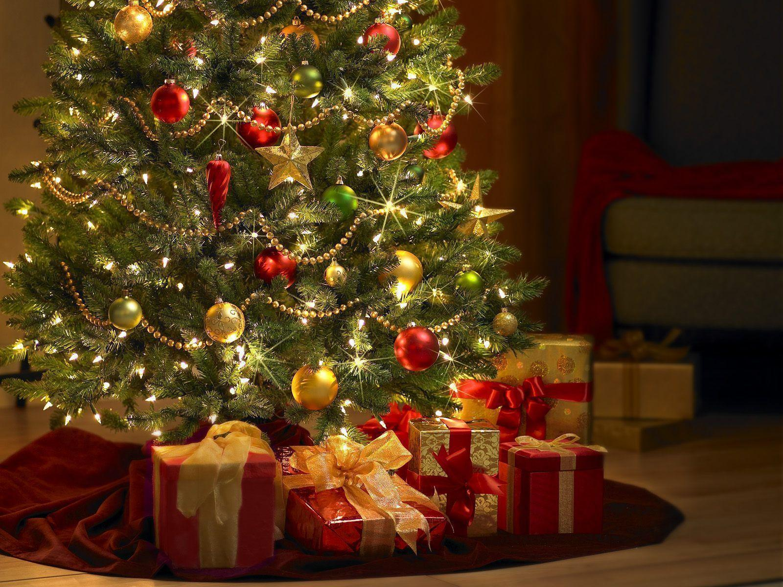 Christmas Tree Background.Christmas Tree Wallpaper Backgrounds Wallpaper Cave