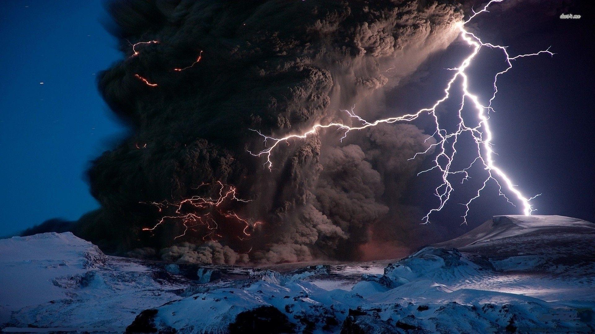 Lightning Storm Volcano Wallpaper