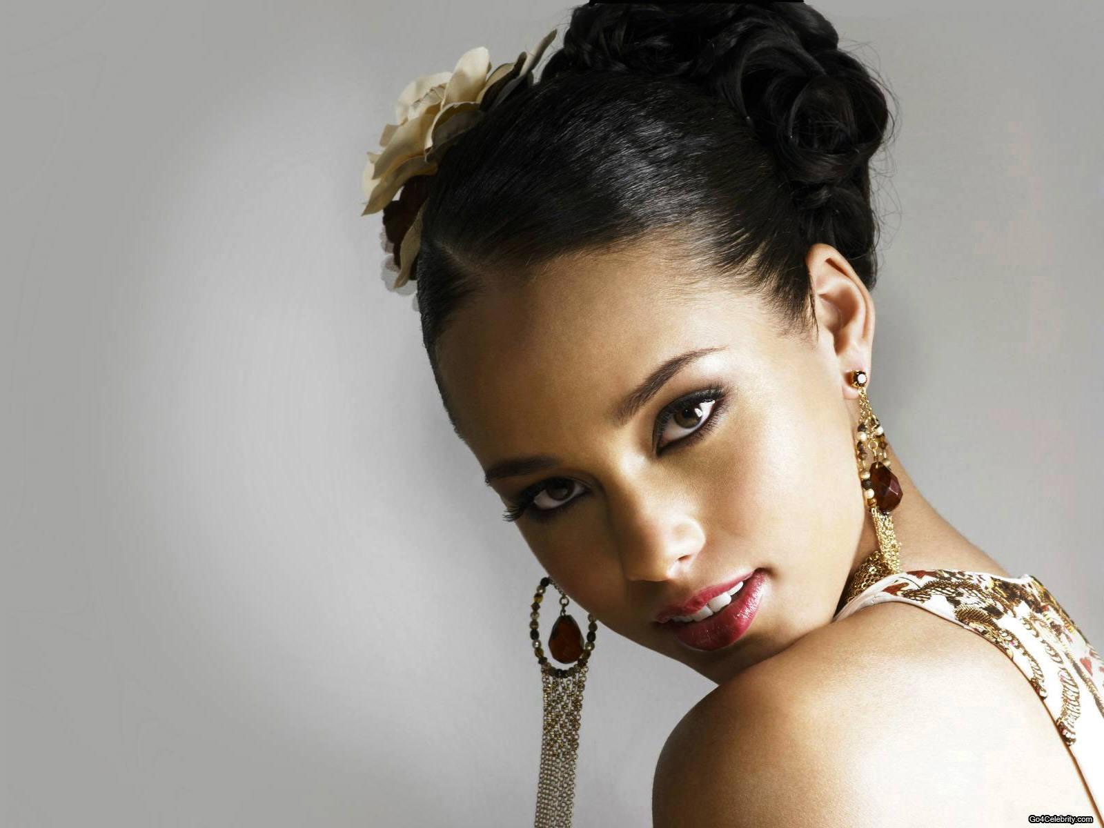 HD Wallpapers: Alicia Keys Wallpapers