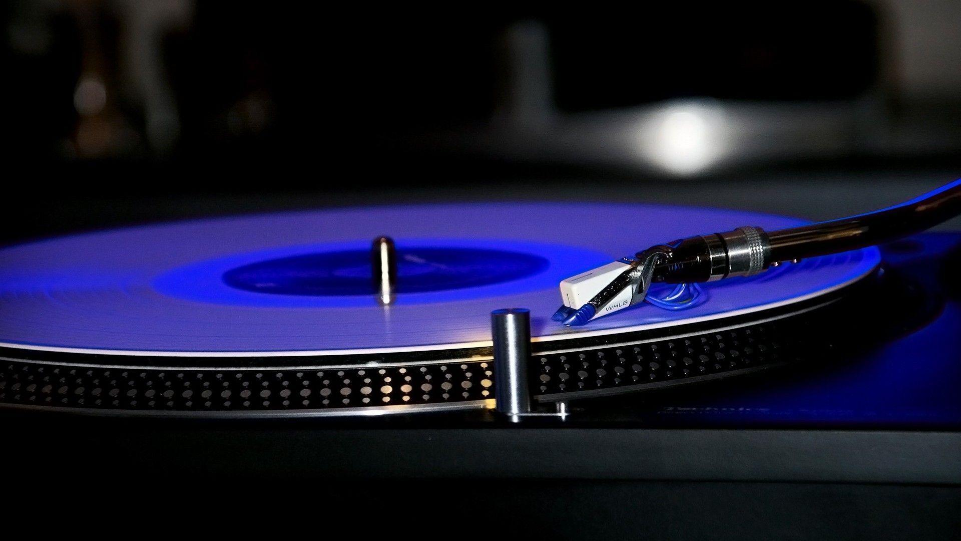 1920x1200 DJ Turntable HD PC Wallpapers