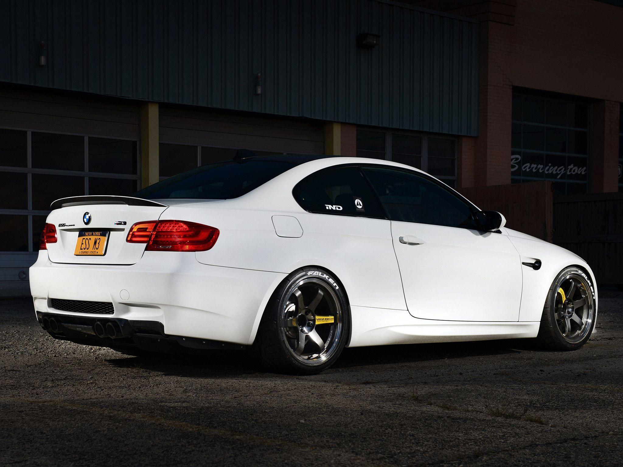 White BMW M3 Wallpapers 24