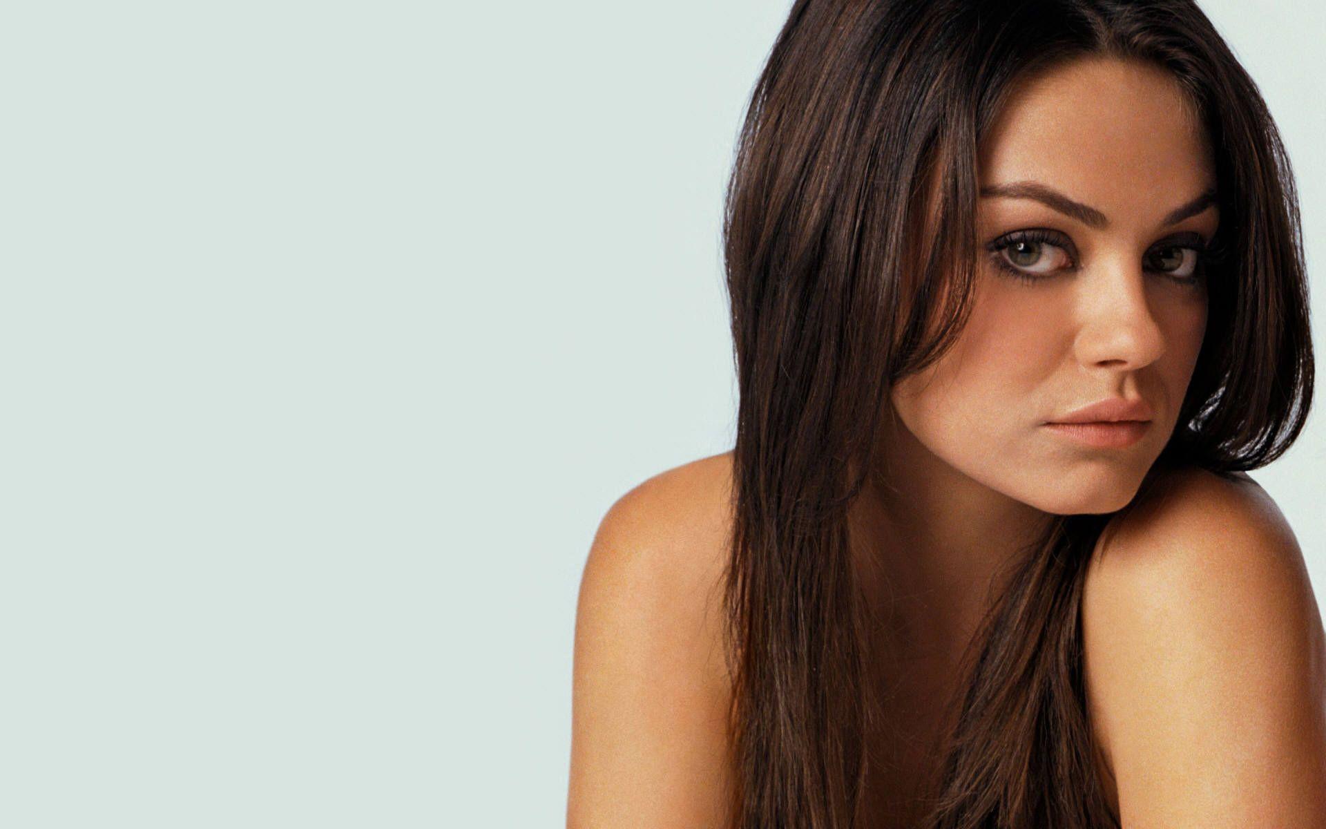 Mila Kunis Wallpaper 39277 in Celebrities F - Telusers.