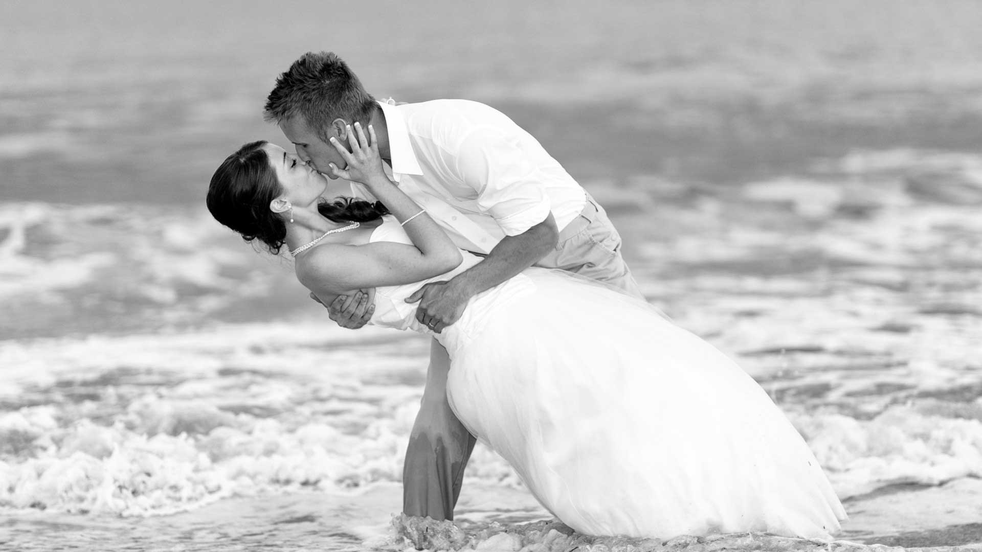 Happy Kiss Day 2016 HD Wallpapers - Freshmorningquotes