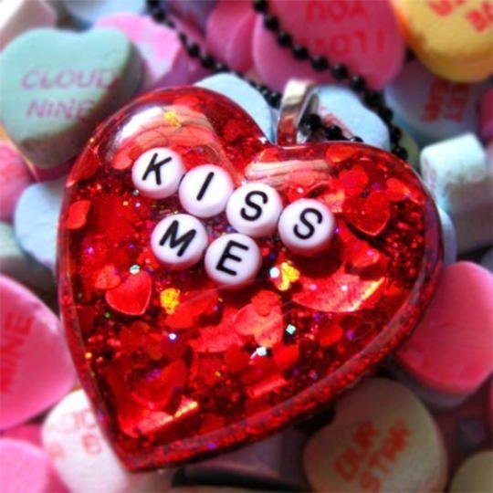 Happy Kiss Day 2016 HD wallpapers Greetings Word Free Download