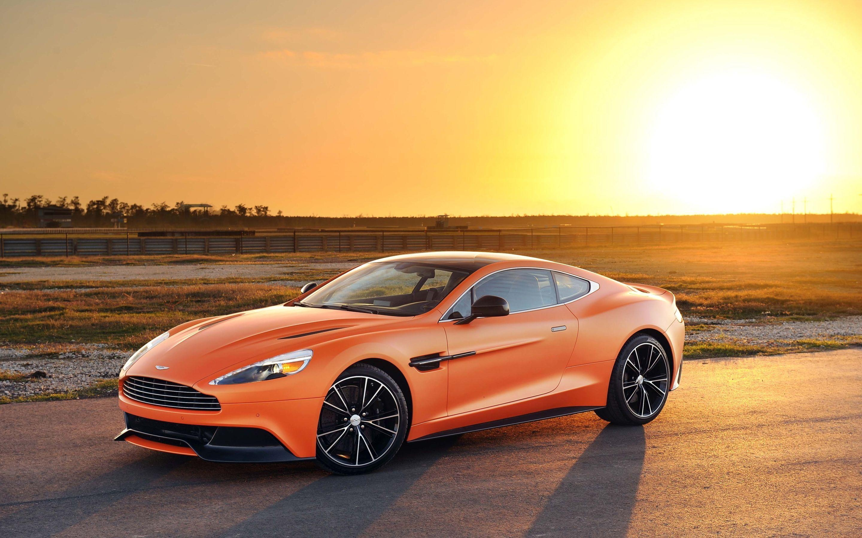 Aston Martin Vanquish 2016 Wallpapers