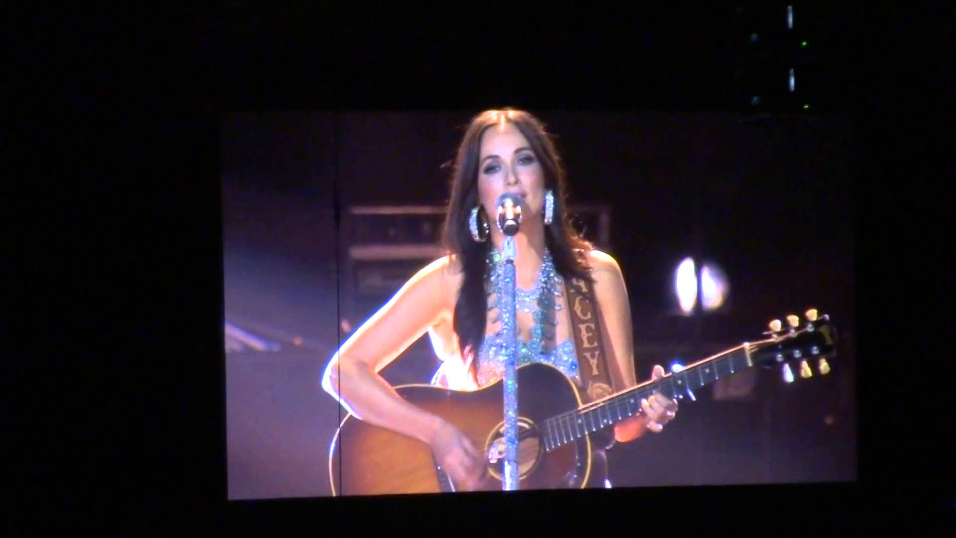 Kacey Musgraves - Merry go 'round, C2C London 2016 - YouTube
