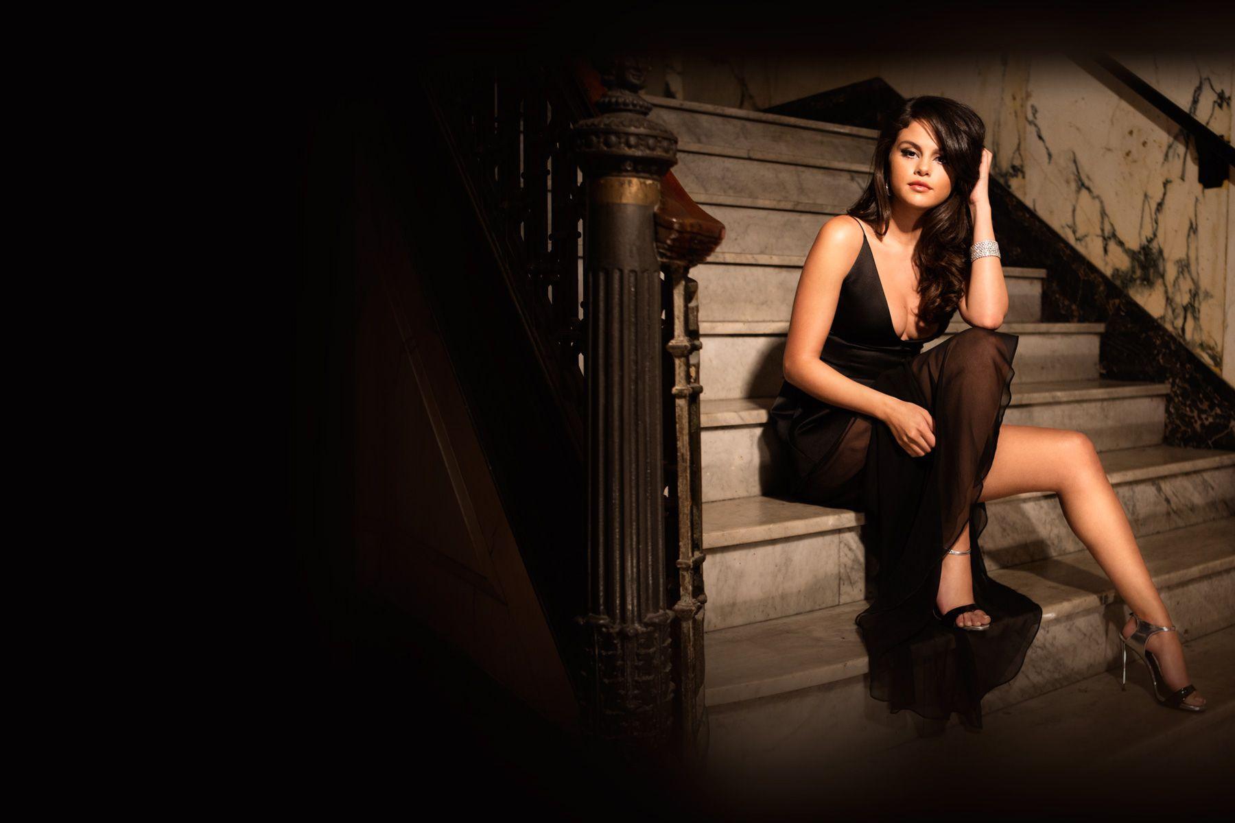 Selena Gomez Wallpaper HD