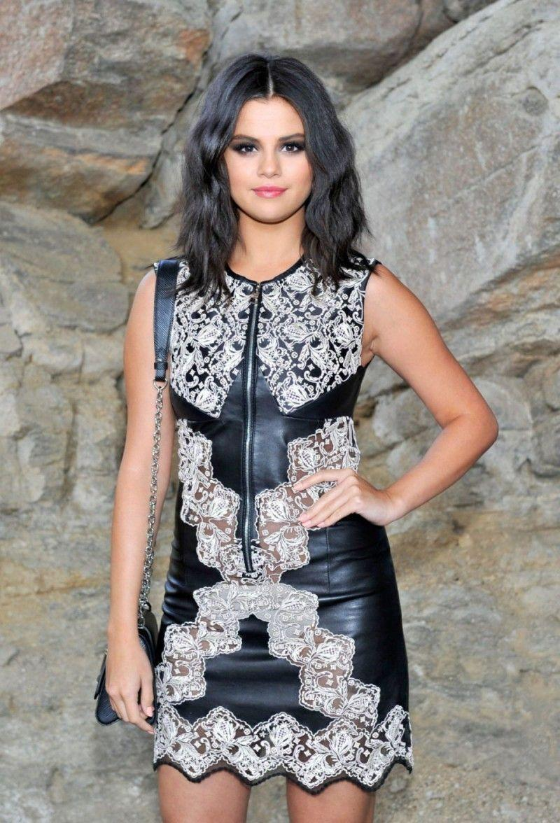 HD Wallpapers of Celebrities: Selena Gomez at Louis Vuitton Cruise