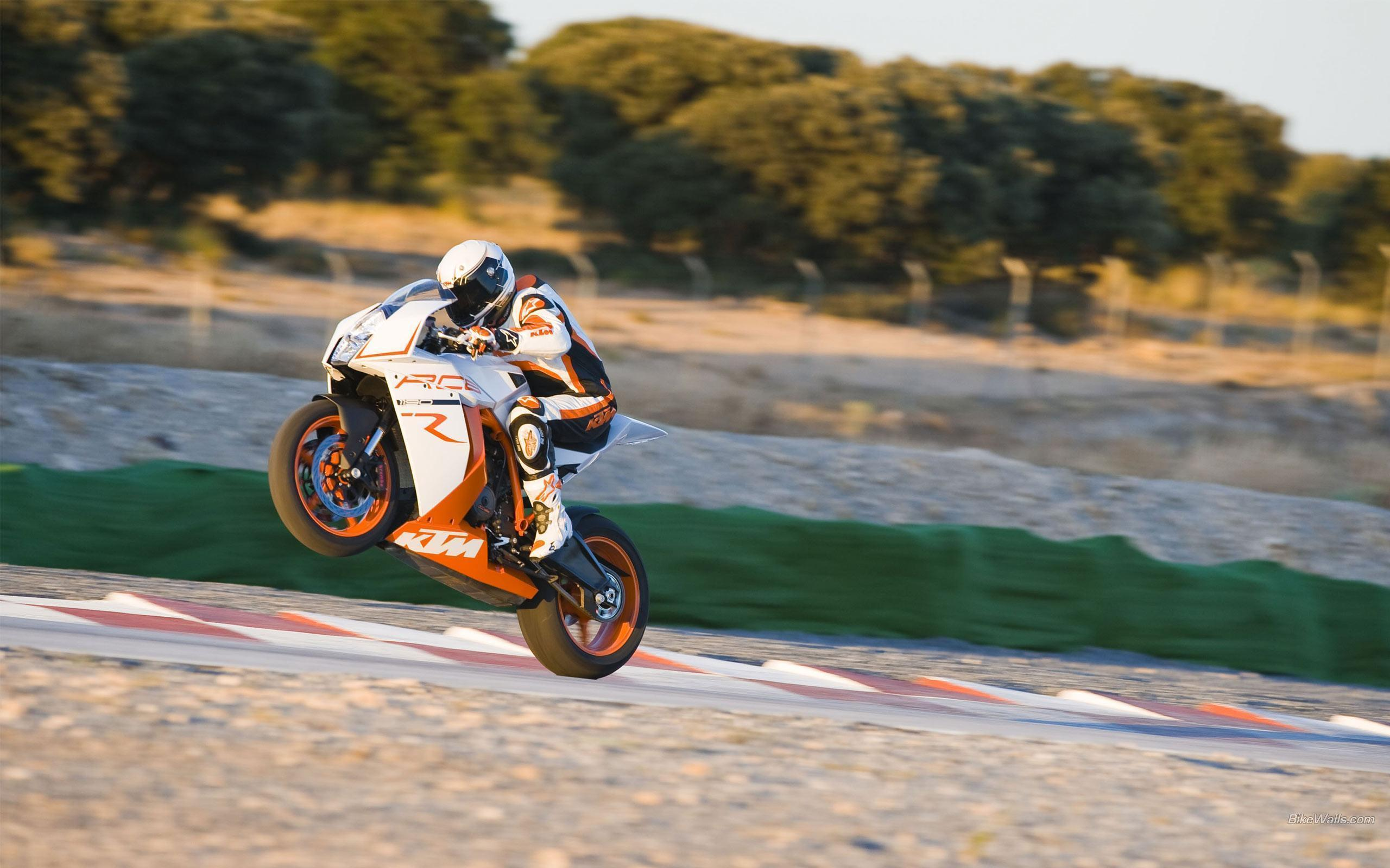 KTM RC8 Wallpapers HD Download